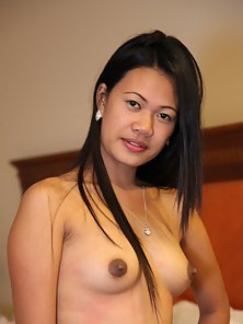 Tremendous Looking Filipina Babe Shows Her Hairy Pussy in Different Present