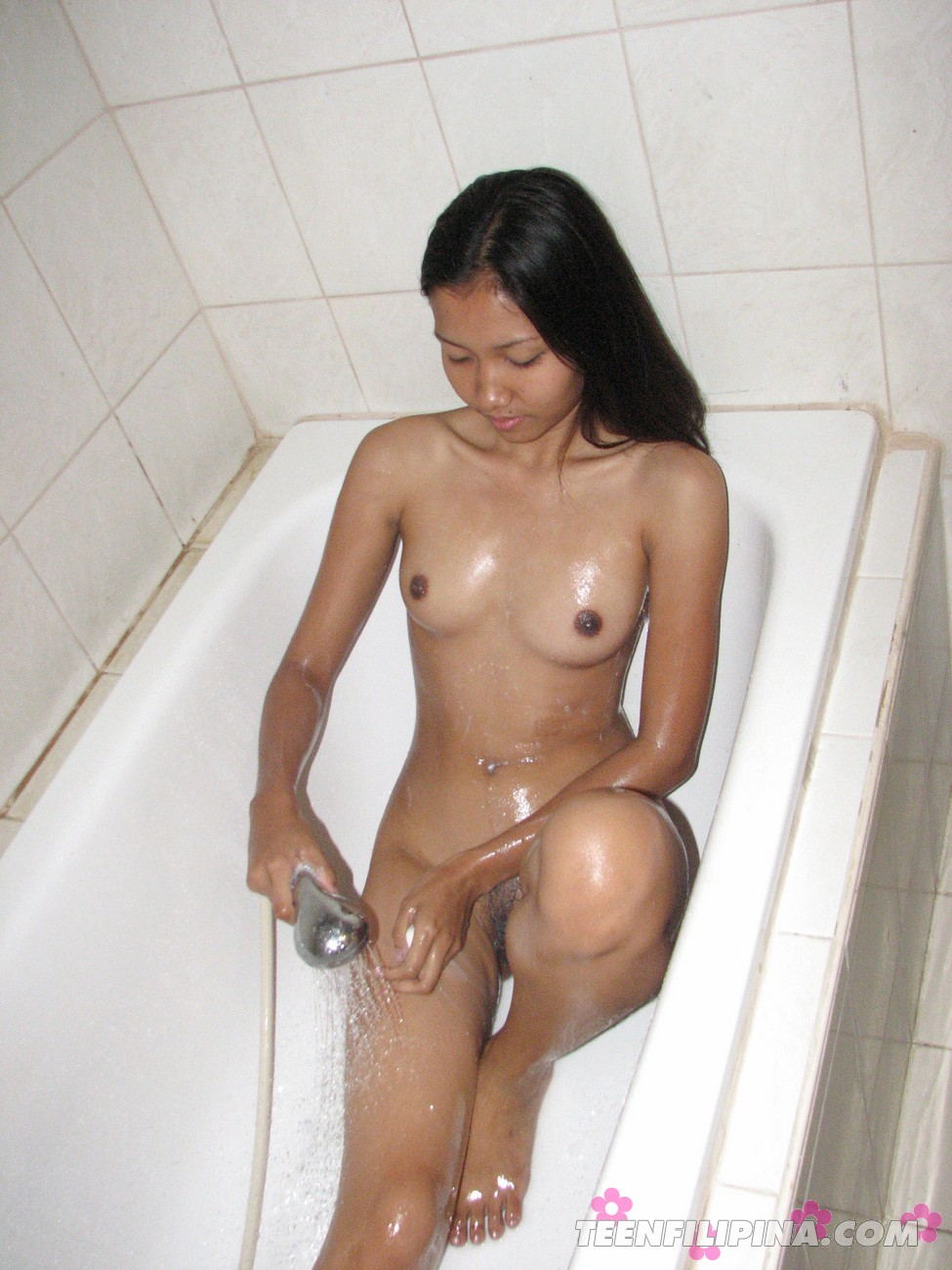 Asian girl bathtub-5588