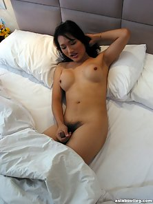Attractive Tits Sexy Shemale Enjoy Shaking on Bed and Gets Pleasure