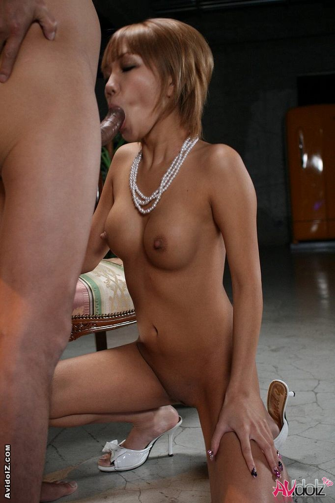 Italian milf blowjob and fingering