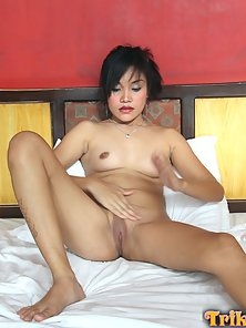 Lovely Filipina Teen Rides On Her Boyfriend Cock until Gets Satisfaction
