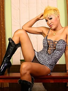 Blonde Nasty Shemale Patty Madly Display Her Sexy Body on Camera