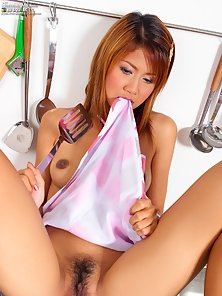 Sexy Asian Cook