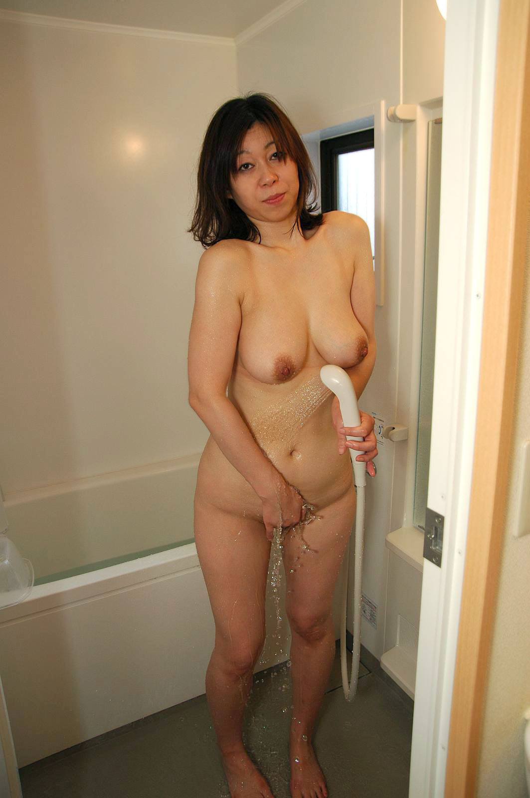 japan-mom-shower-naked-picture-nude-midget-girls-spread-open