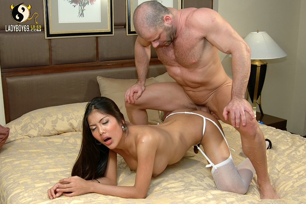 Old and yong shemale and tranny mobile porno pics