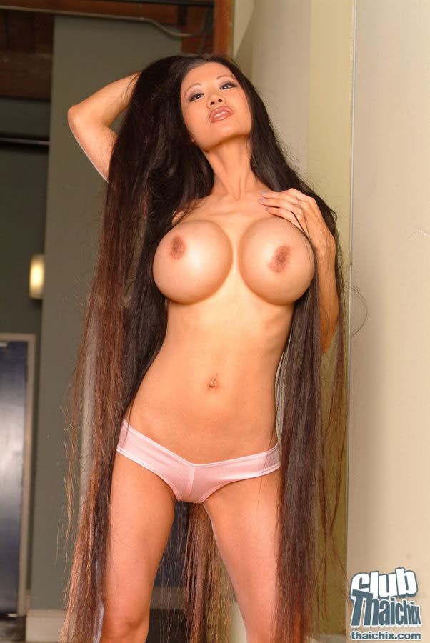 Extra Long Hair Lena Li Showing Her Bubble Boobs In -5533