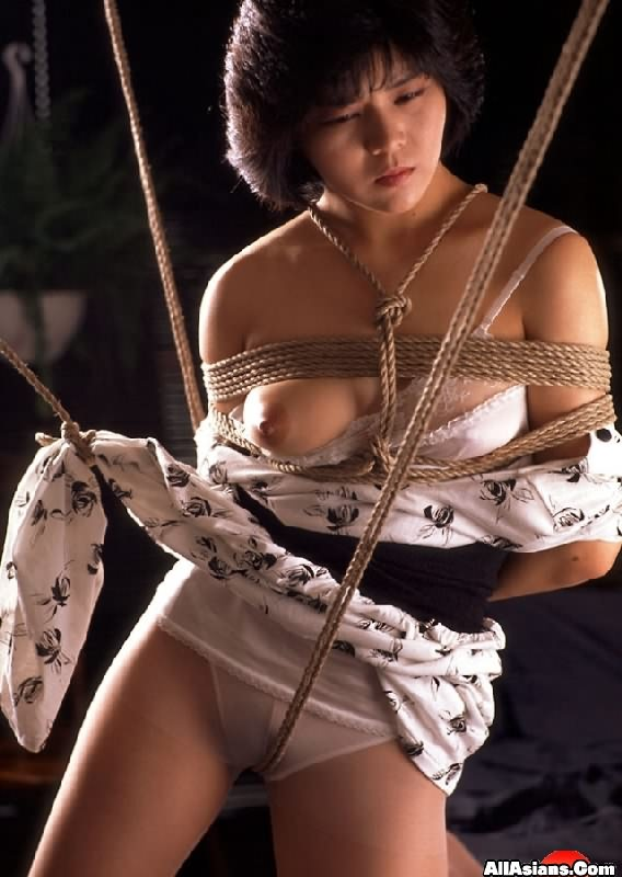 Think, that asian girl in ropes posing