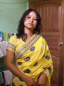 newly wed indian wife padma showing herself off
