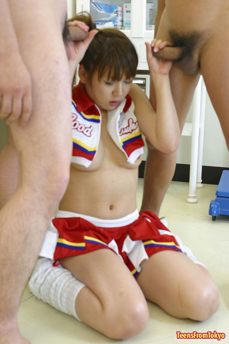 Sexy Cheerleader Japanese Babe Fucked By Two Guys In Locker Room -1640