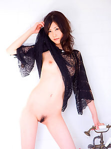 Sexy Skinny Brunette Chick Posing Her Hairy Pussy