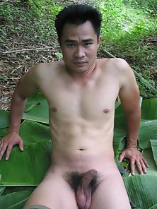 Army Guy Gets Huge Handjob Act in Jungle