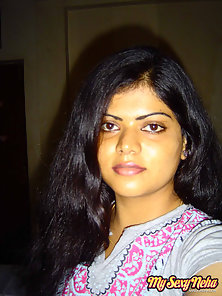 Beautiful Indian Girl Neha Gives Sexy Look On You