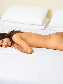 Wonderful Shemale Lee Expose Her Undressed Body on Bed Crazily