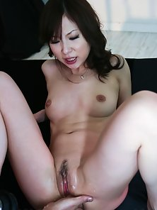 Super Hot Japanese Babe Karen Nailed Her Tight Twat by a Hunky Guy Big Dick