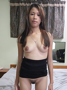 Pretty Filipina Babe Kiana Shows Off Her Hairy Pussy by Spreading Her Legs