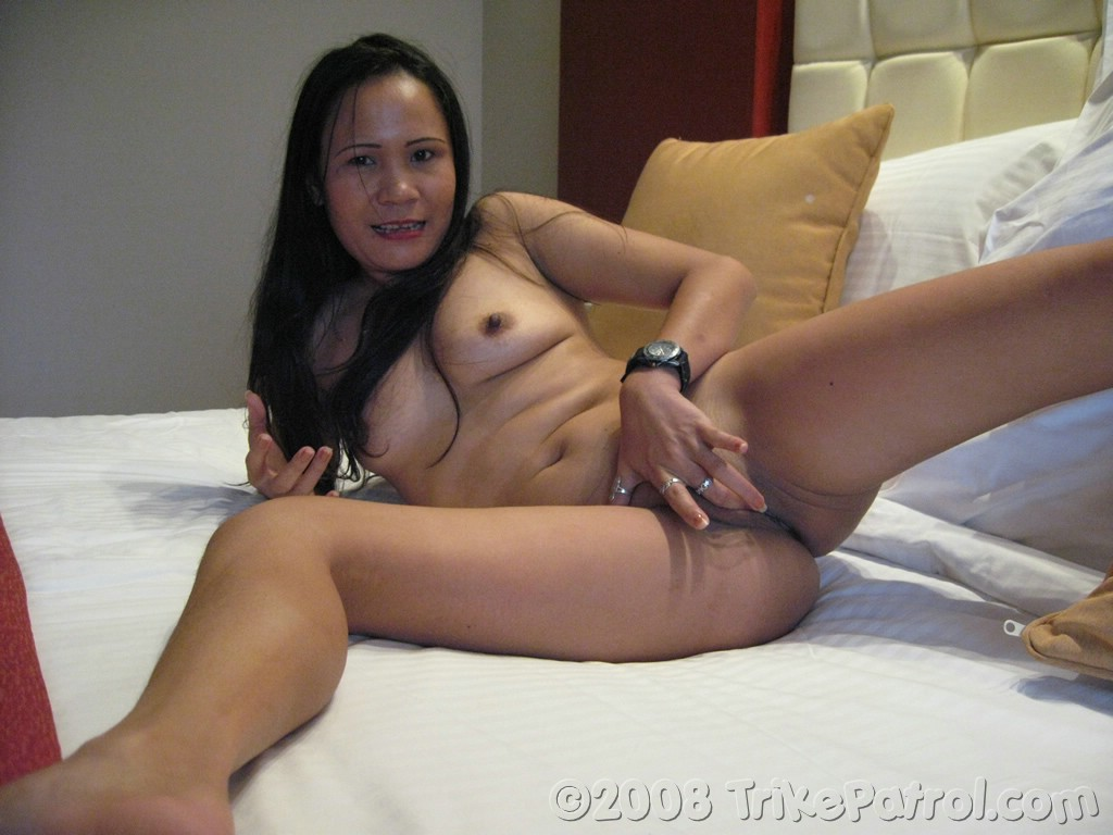 On Dollop Bed Matured Asian Babe Masturbate and With Huge ...