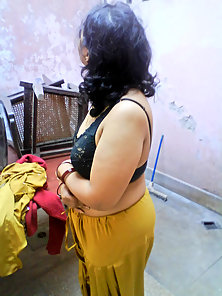 mumbai based indian wife getting naked to have some rough sex