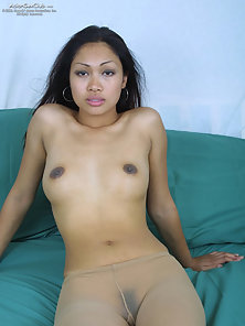 Lee Serey looking so hot and sexy in her nylons