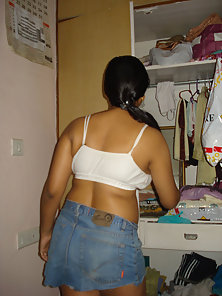 Beautiful Looking Busty Indian Wife Shows Her Juicy Twat and Boobs