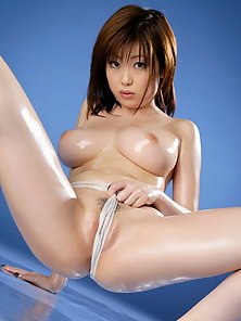 Big Boobed Young Babe Rio Hamasaki Showing Her Nude Video