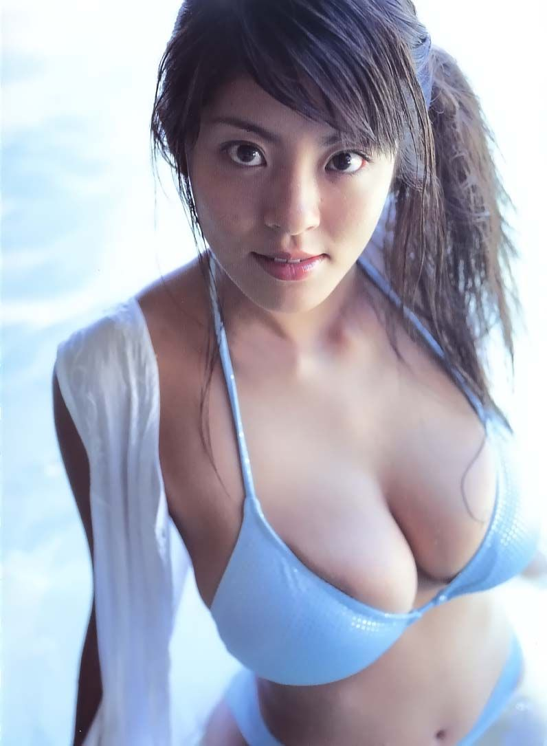 Cleavage Bra - Nemoto Harumi in Push up Bra Shows Huge Boob and Cleavage