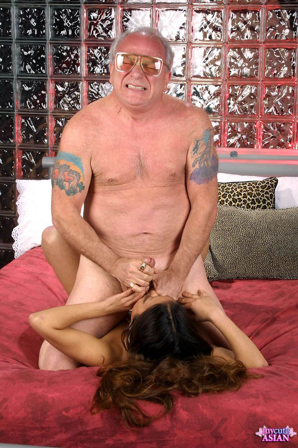 Milf gives dirty bj