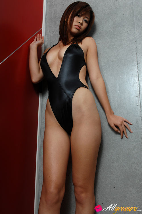 Ebony swimsuit porn