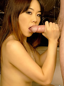 Hottest Babe Tomo Paradise Sucking Her Bf Dick in Bath Room