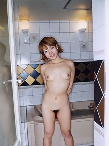 Fair Japanese Chick Posing With Hairy Pussy before Taking Shower