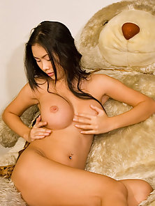 Beautiful Babe Emiko Display Her Totally Naked Body on Bed