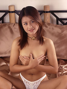 Beautiful Thai Flashes Her Hairy Pussy by Strips down Her Panty