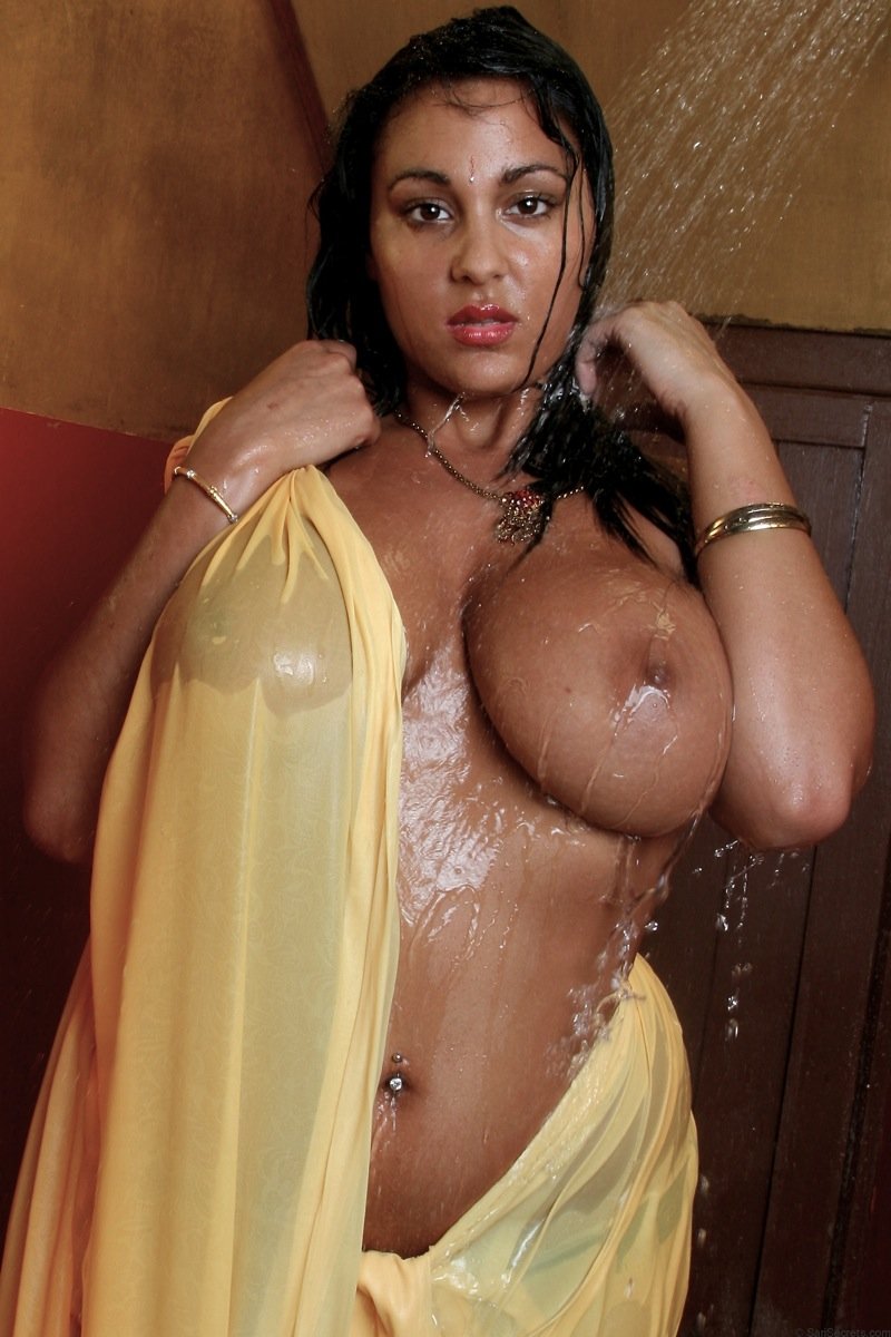 Busty Sexy Indian Babe Keira Get Shower In Naked Body -4816