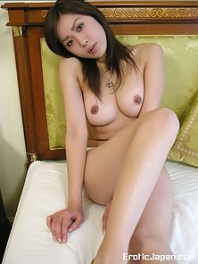Busty ayame Japanese Girl Excitedly Shows Up Her Round Tits on Bed