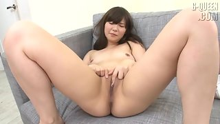 Asian Nubile Exposes Her Sappy Shaved Pussy