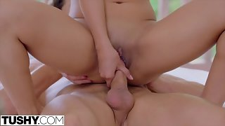 Sexy amateur pussy licked outdoor by trainer and more love indoor
